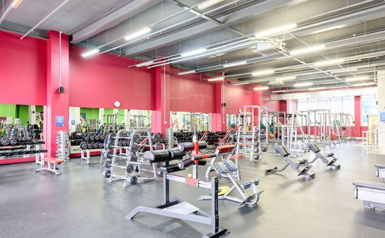 Досуговый центр и фитнес-клуб на территории комплекса